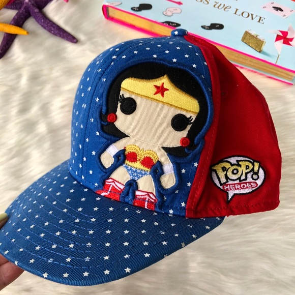 NWT Wonder Woman Cartoon Baseball Hat